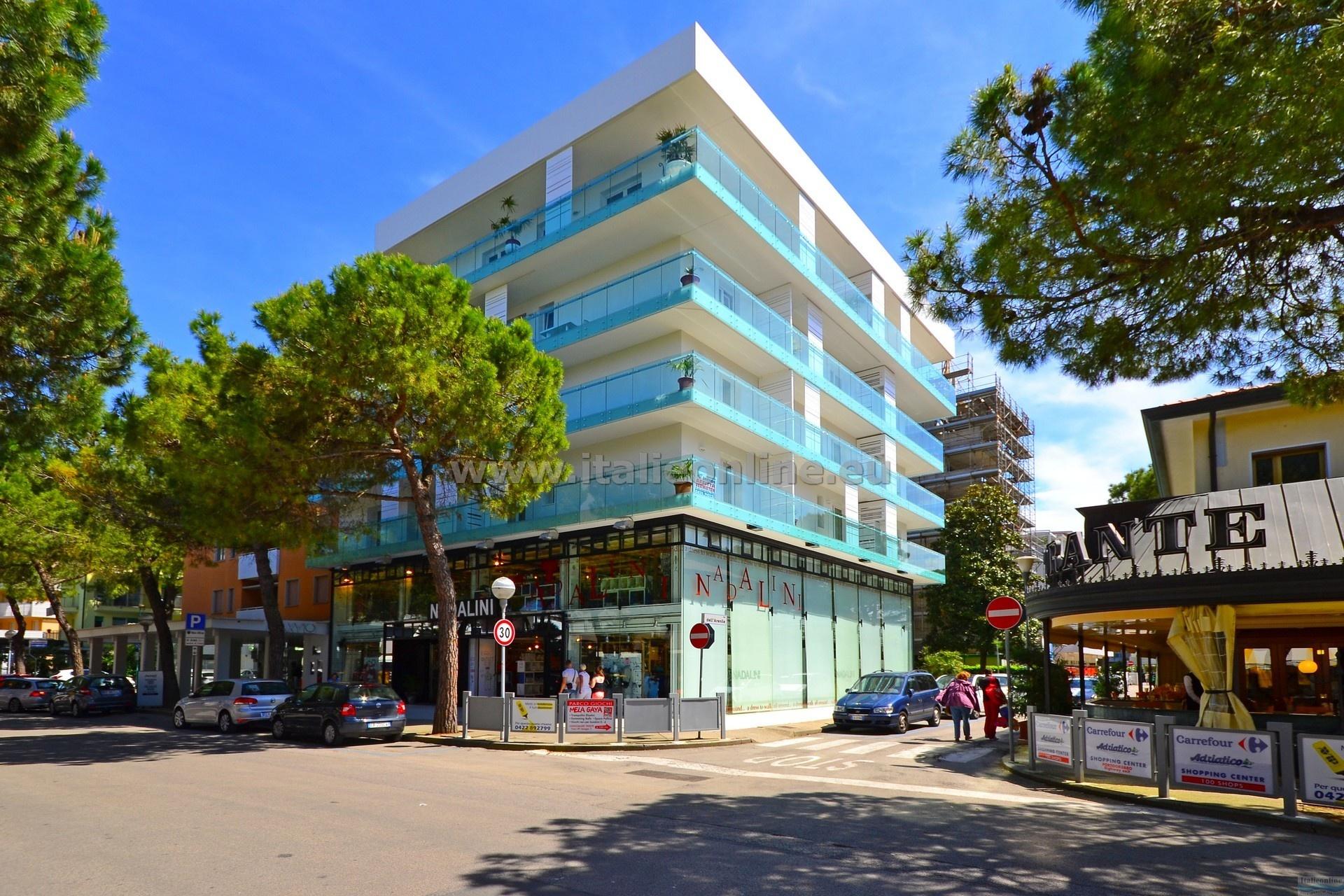 Appartamenti fiore lignano sabbiadoro it lie ck italieonline for Appartamenti lignano