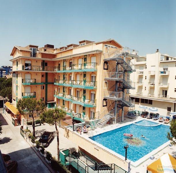 Hotel Kennedy Lido Di Jesolo Est Italien Italieonline