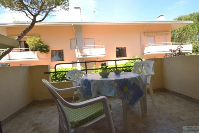 Appartamenti dei fiori lignano pineta italia italieonline for Appartamenti lignano