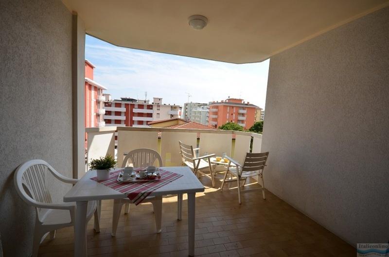 Appartamenti 3c bibione lido dei pini italien italieonline for Appartamenti bibione