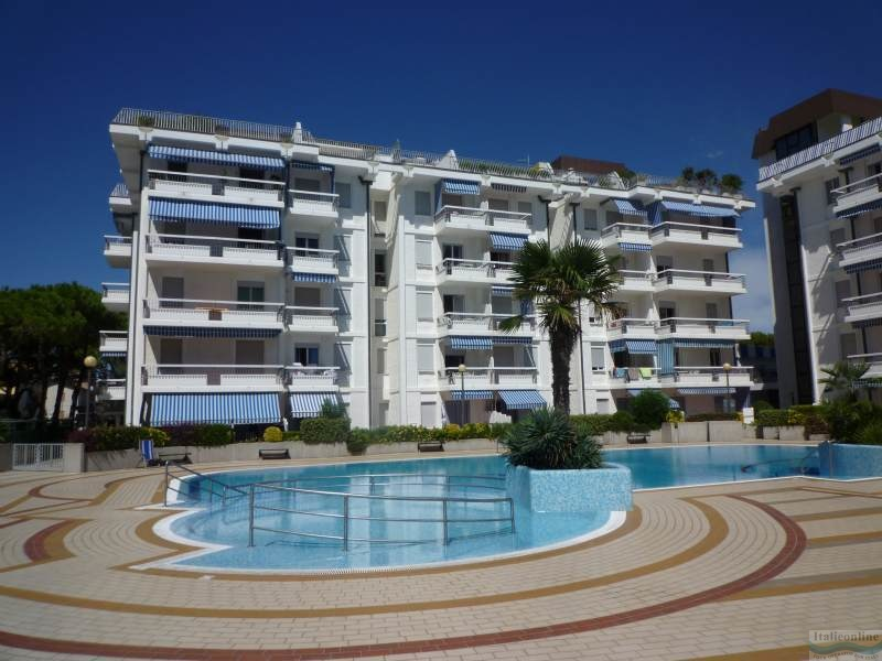 Residence mexico lido di jesolo est italia italieonline - Hotel jesolo 3 stelle con piscina pensione completa ...