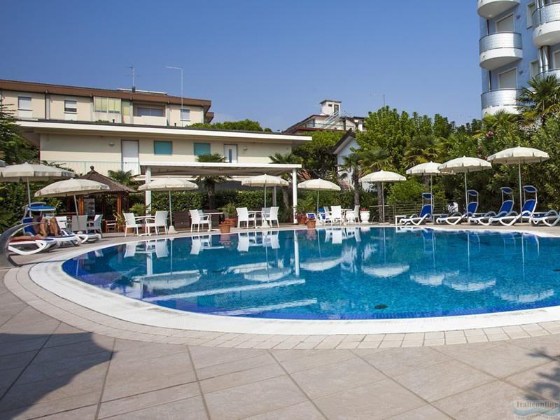 Hotel Helios Lido Di Jesolo Ovest It 225 Lie Ck Italieonline
