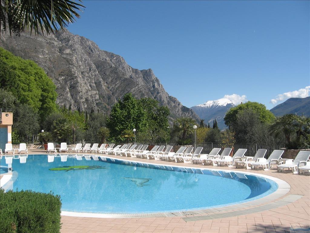 Camping Garda Lago Di Garda Limone Sul Garda W U0142ochy Bp