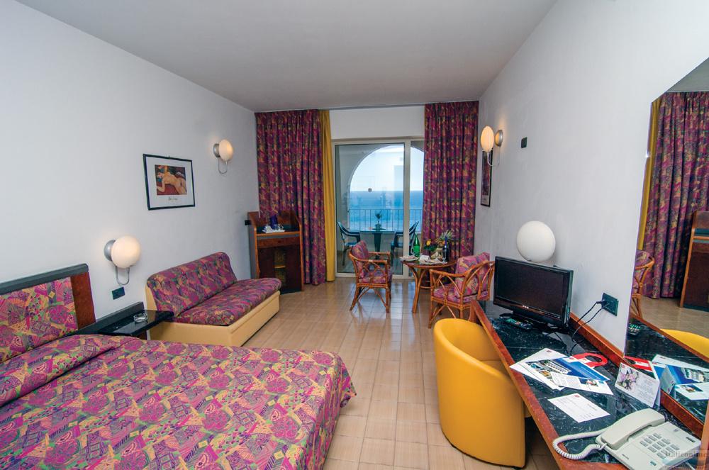 Hotel Antares Le Terrazze Letojanni Italy Italieonline