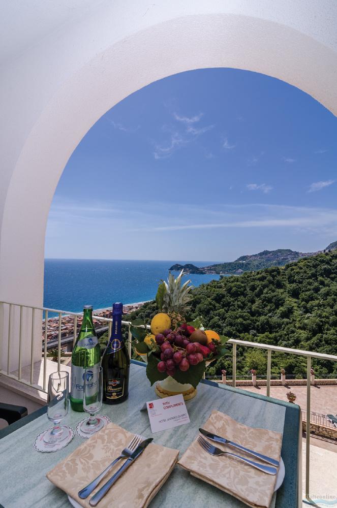 Hotel Antares Le Terrazze Letojanni Italien Italieonline