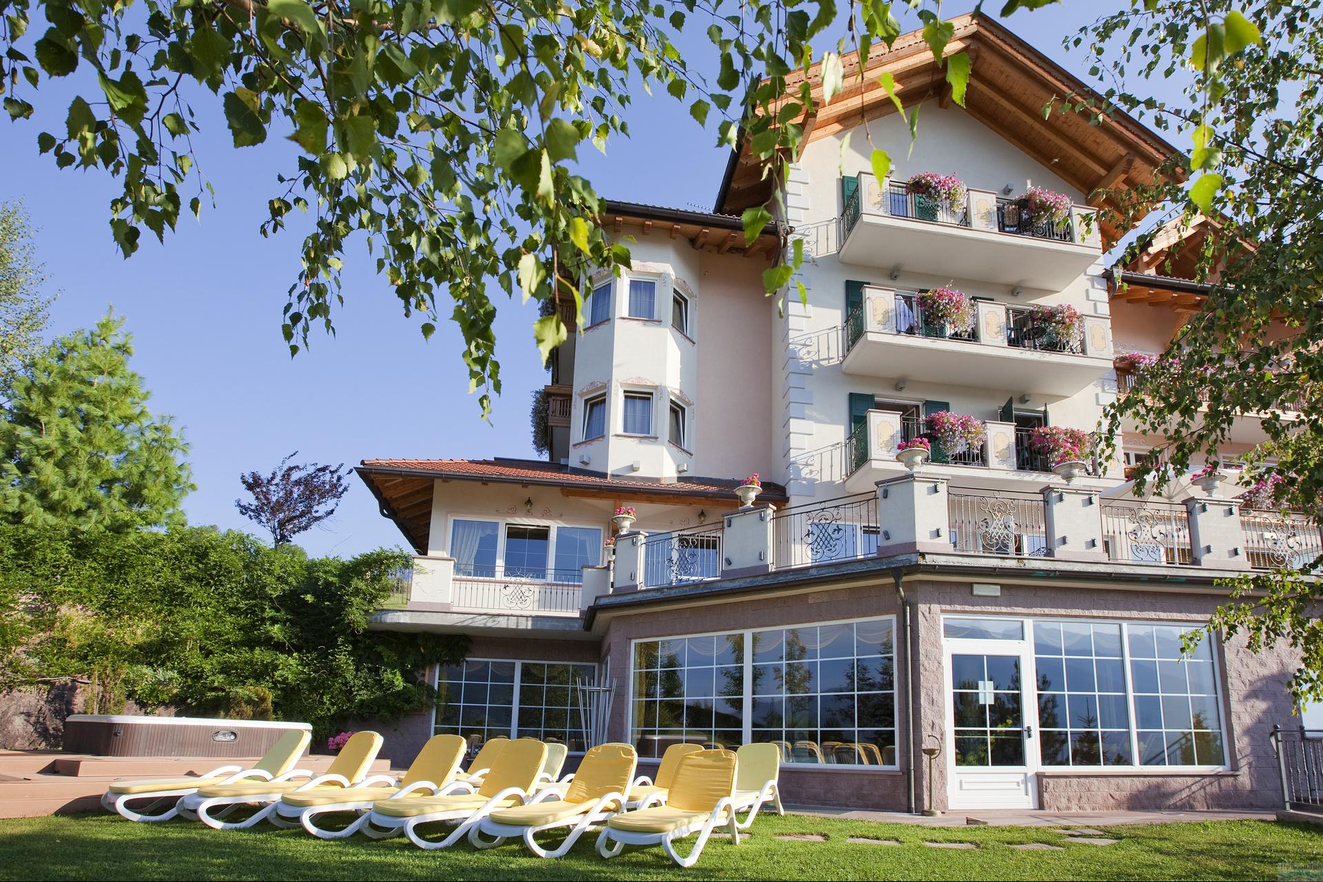 Hotel lagorai cavalese italia italieonline - Hotel cavalese con piscina ...