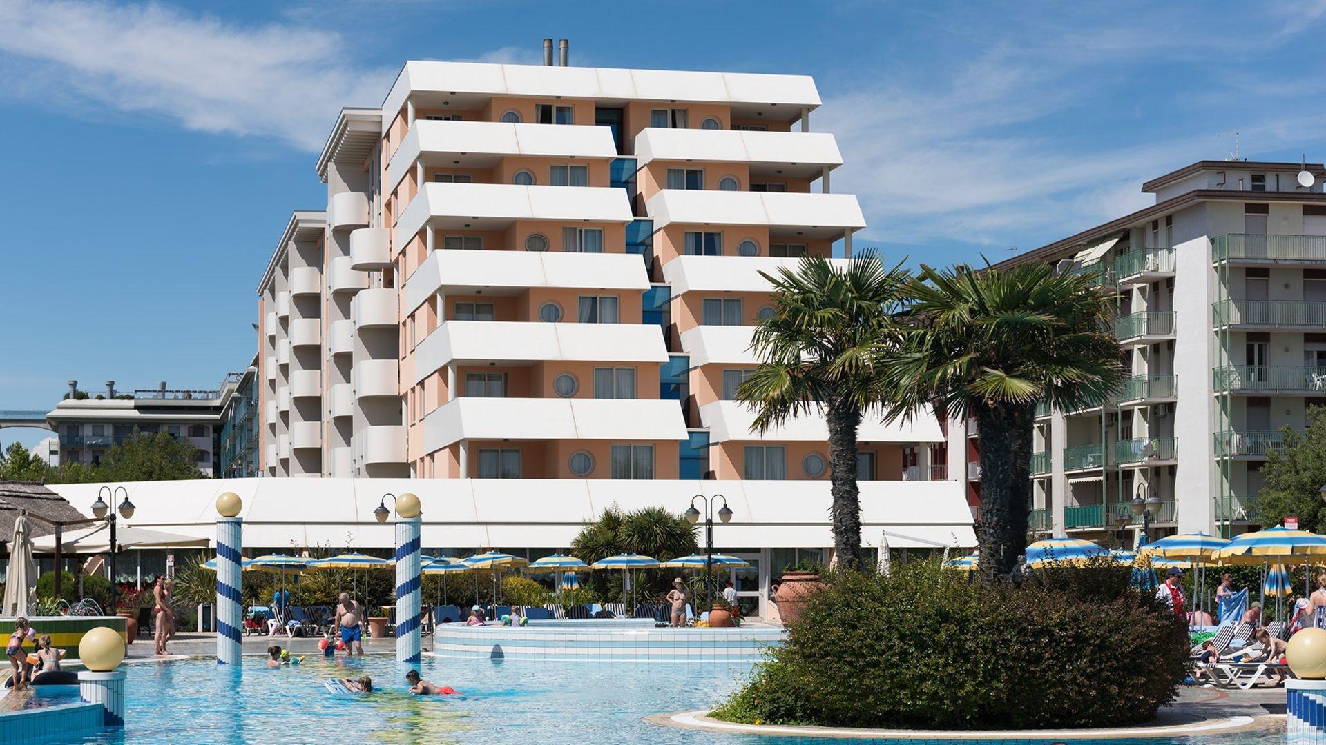 Hotel altinate lido di jesolo est italien italieonline for Appart hotel 41