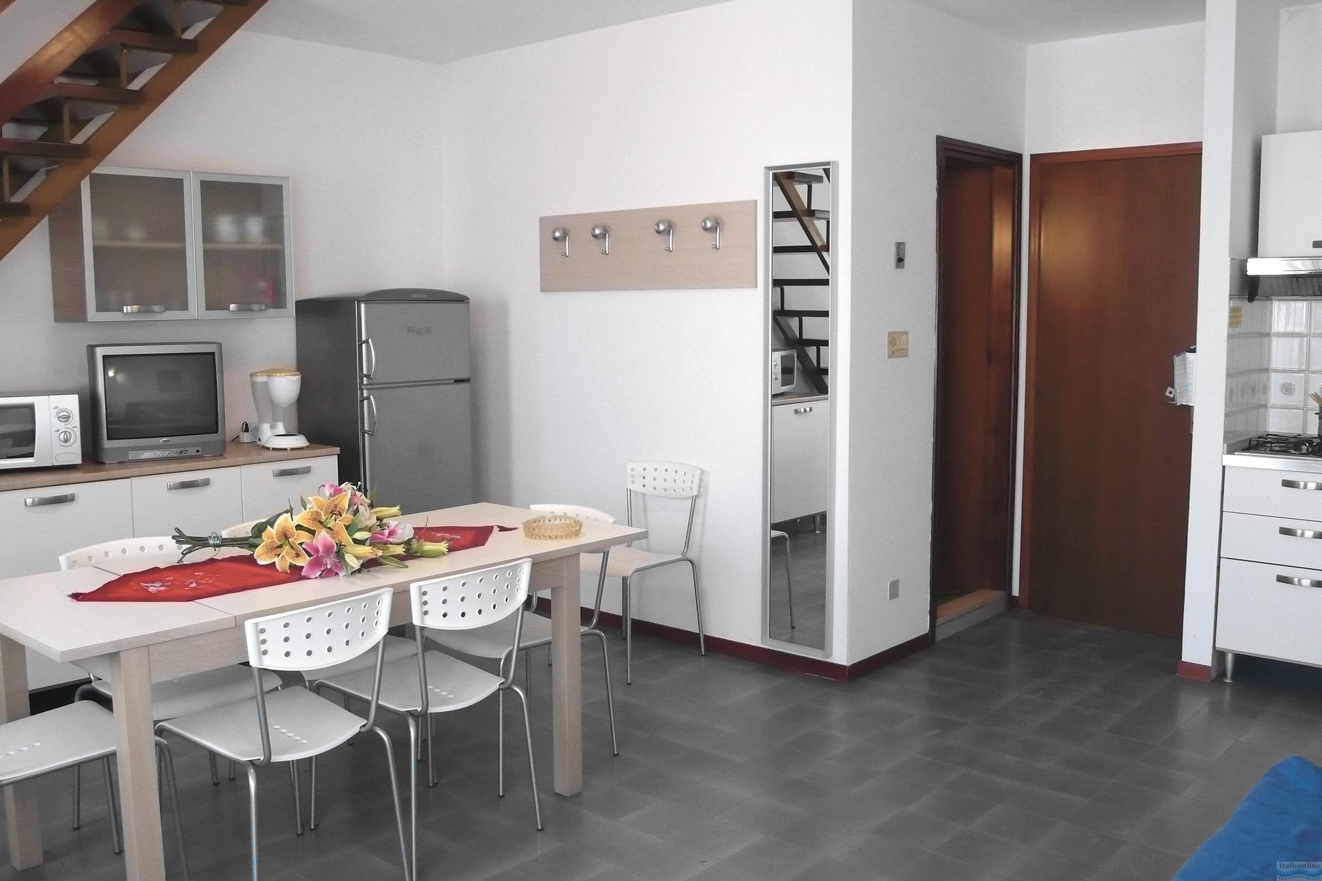 Marina grande bibione lido dei pini italia italieonline for Appartamenti bibione