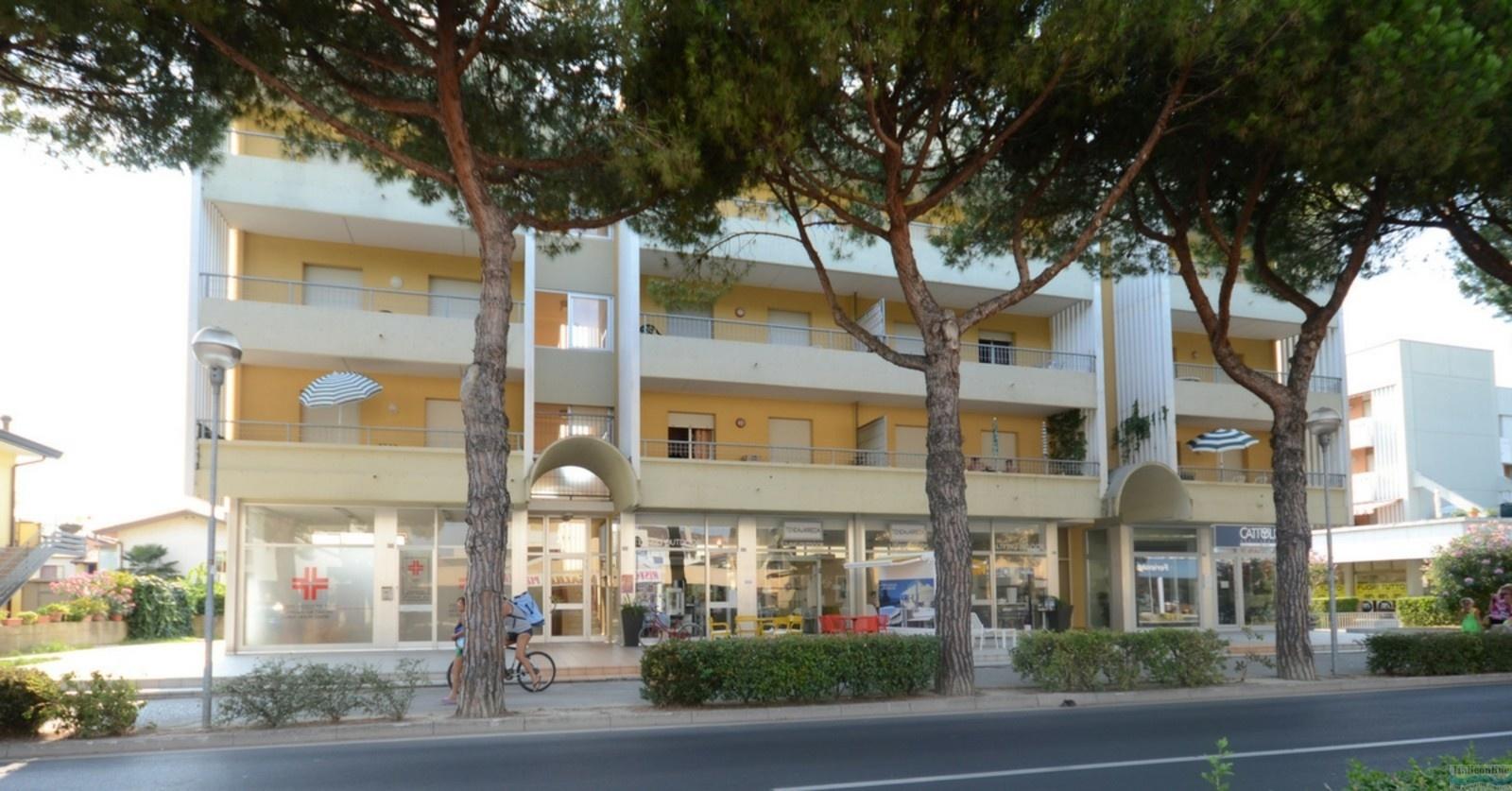 Appartamenti carla elena riviera e micheli bibione for Appartamenti bibione