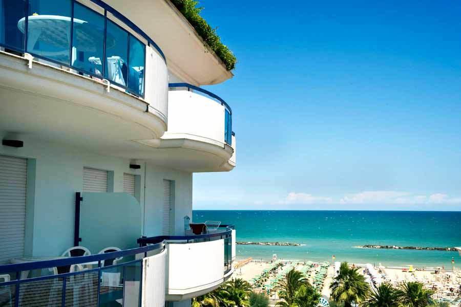 residence cala luna suite san benedetto del tronto porto d ascoli italien italieonline. Black Bedroom Furniture Sets. Home Design Ideas