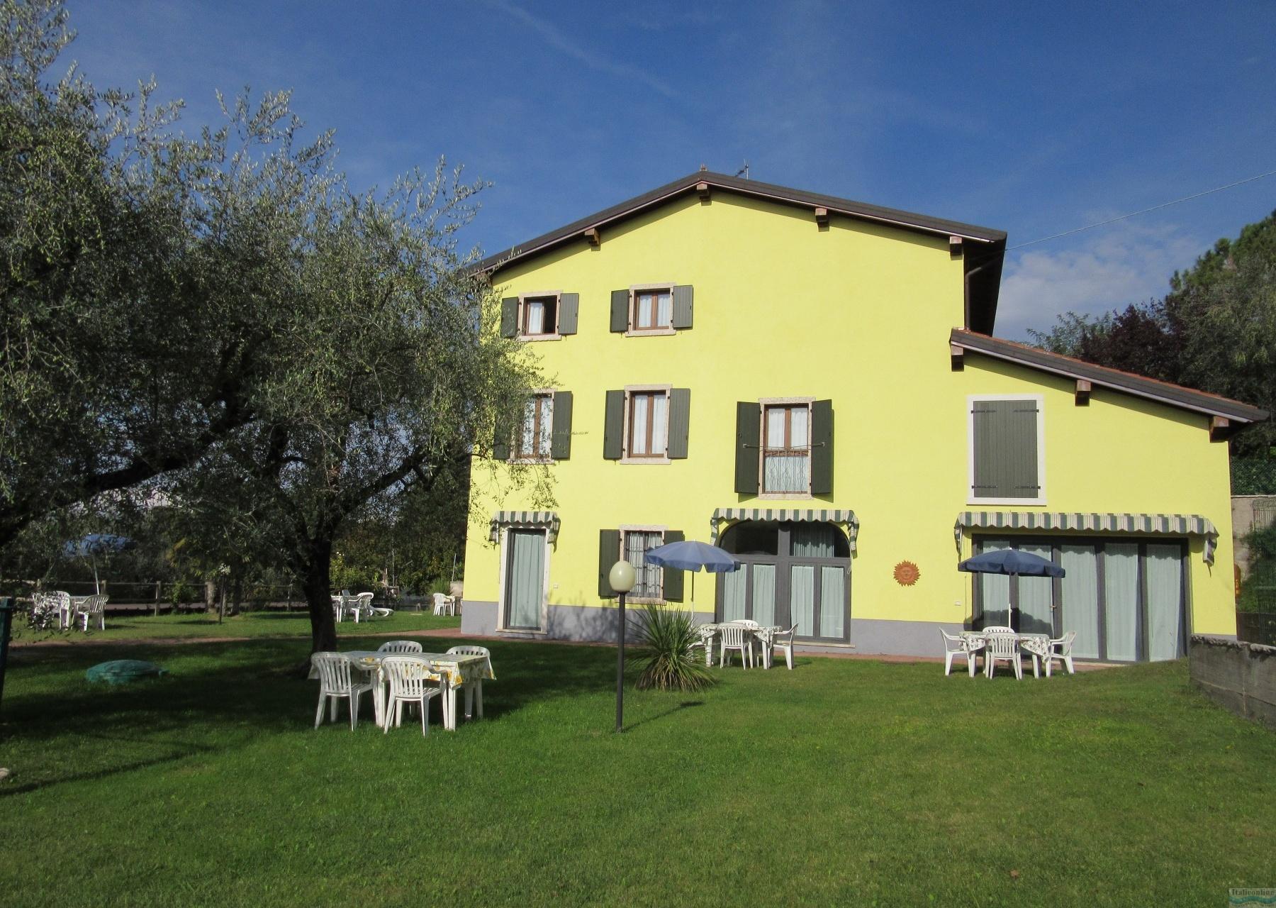 Appartamenti lago di garda italieonline for Appartamenti lago di garda affitto
