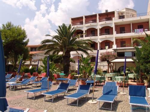 Hotel kalos giardini naxos italy italieonline - Hotel giardini naxos 3 stelle ...
