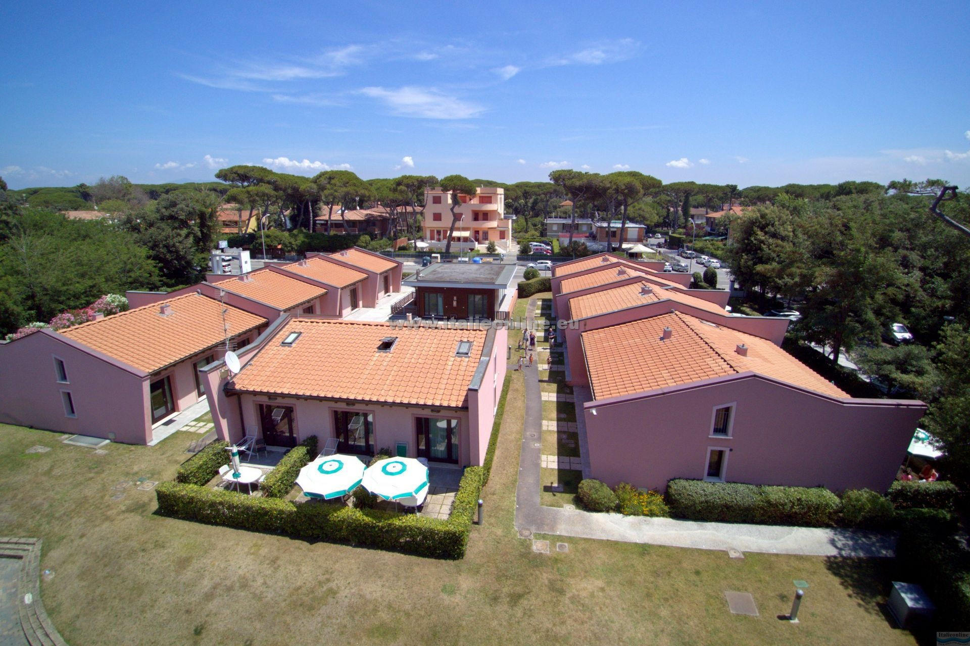Miramare resort tirrenia italien italieonline