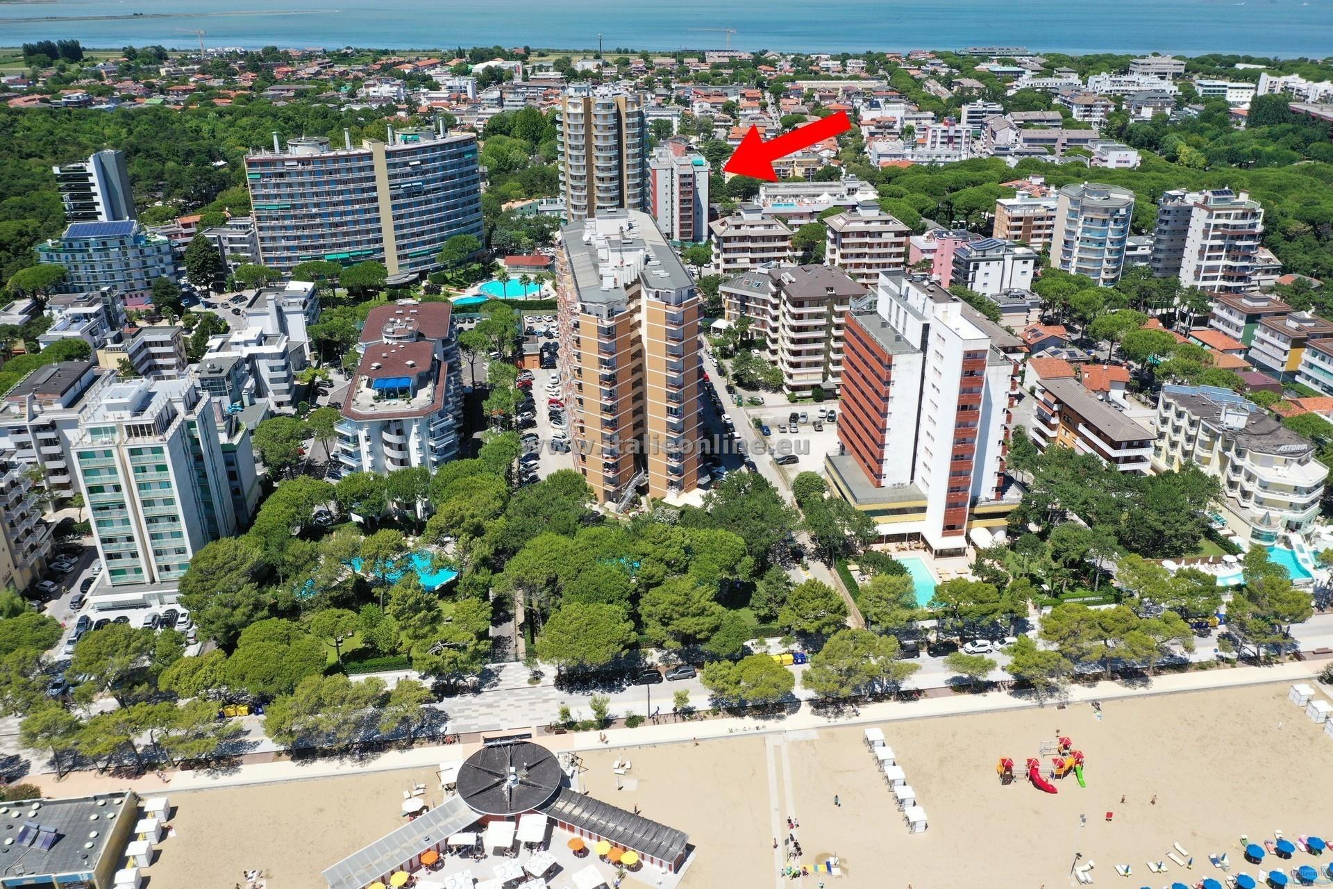 Residence blu lignano sabbiadoro italien italieonline for Appartamenti lignano