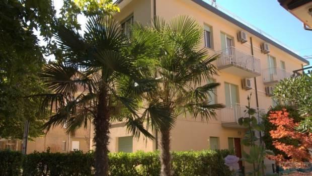Residence cristallo lignano sabbiadoro italien italieonline for Appartamenti lignano