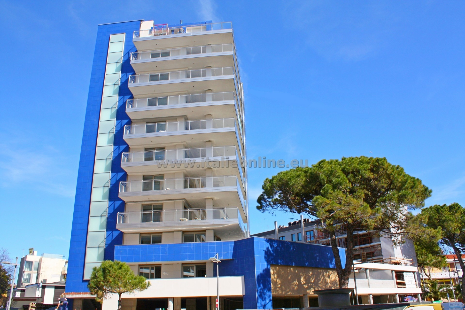 Appartamenti nashira lignano sabbiadoro italia italieonline for Appartamenti lignano