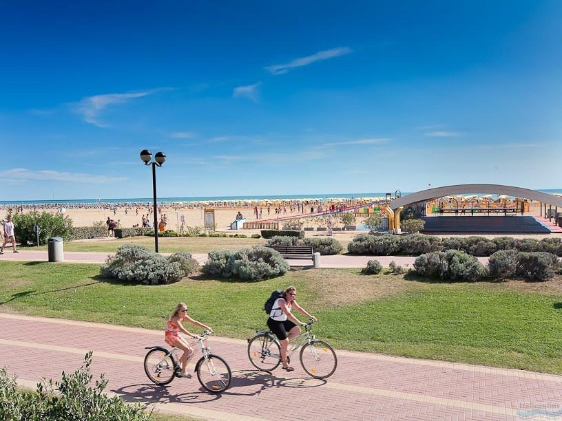 d40b8489d Villaggio Turistico Internazionale Bibione Spiaggia Taliansko CK  Italieonline